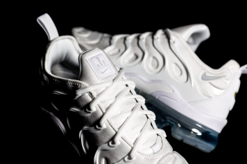 Nike Air Vapormax Plus 924453 100-13