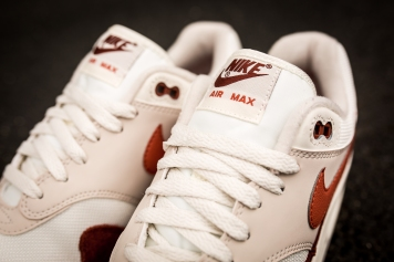 Nike Air Max 1 AH8145 104-7