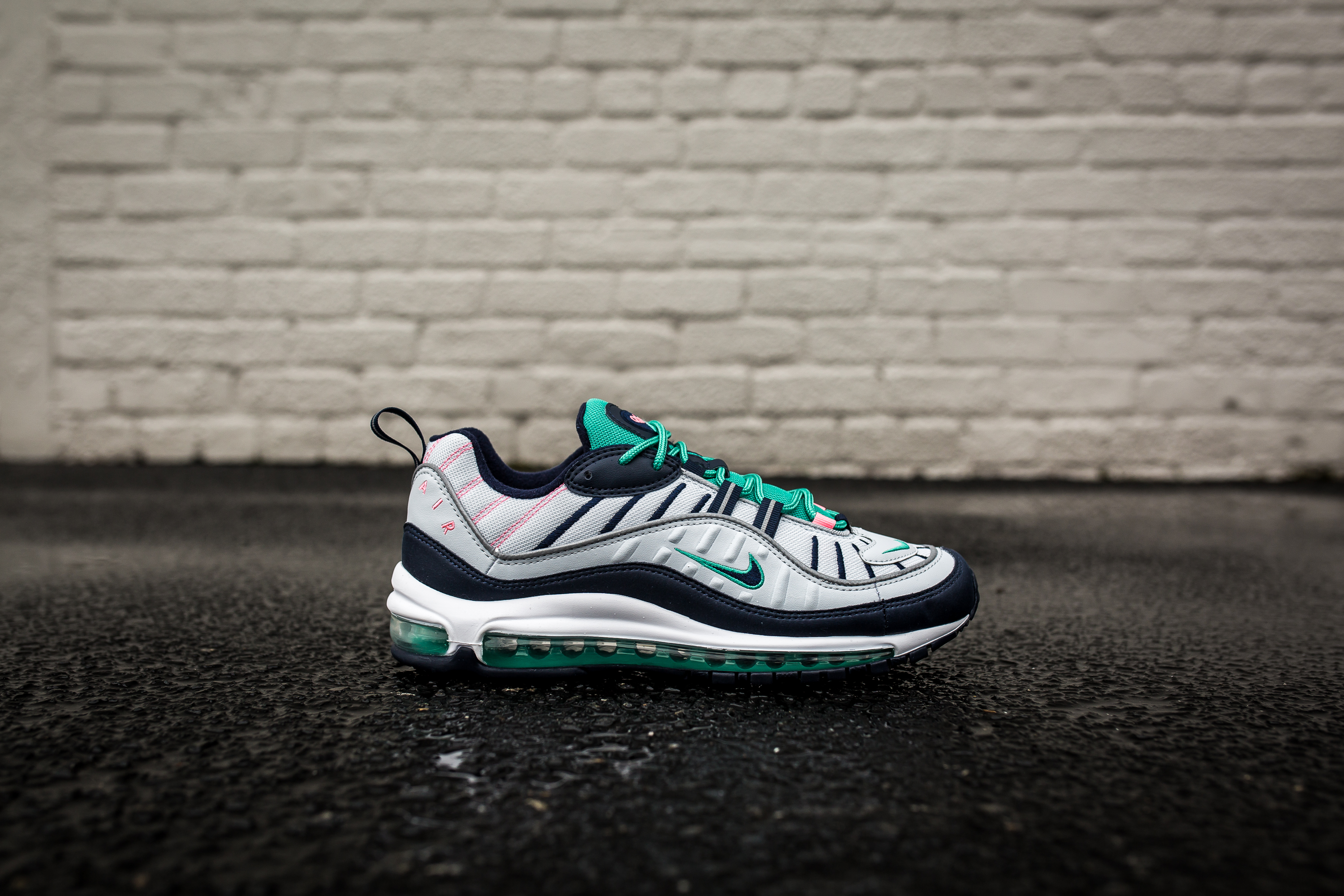 24d478dd6fd88c ... South Beach Pure Platinum Obsidian Kinetic Green 640744-005  Official  Images Of Nike Air Max 98 640744 005-2