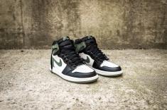 Air Jordan 1 Retro 555088 135-3