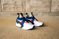 Nike W Air Huarache City AH6787 100-3