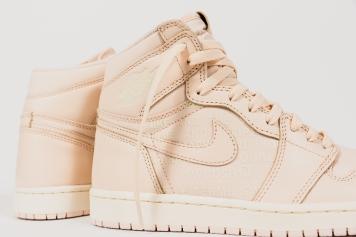 Nike Air Jordan 1 Retro High OG 555088 801-6