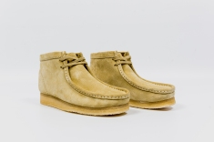 Clarks Wallabee Maple Suede 33283 angle