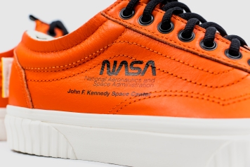 Vans x NASA old skool Firecrckr-6